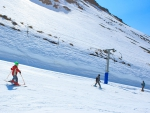 children_skiing_porters_ski_area