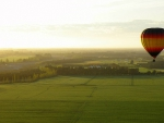hot_air_balloon_over_the_canterbury_plains